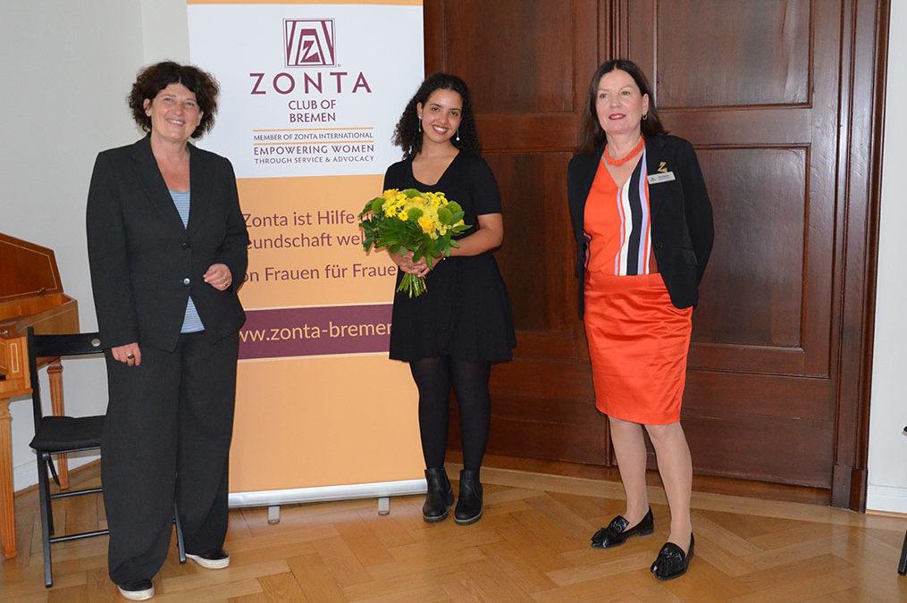 Bremer YWPA-Preisträgerin 2020 Emma Lehbib international erfolgreich